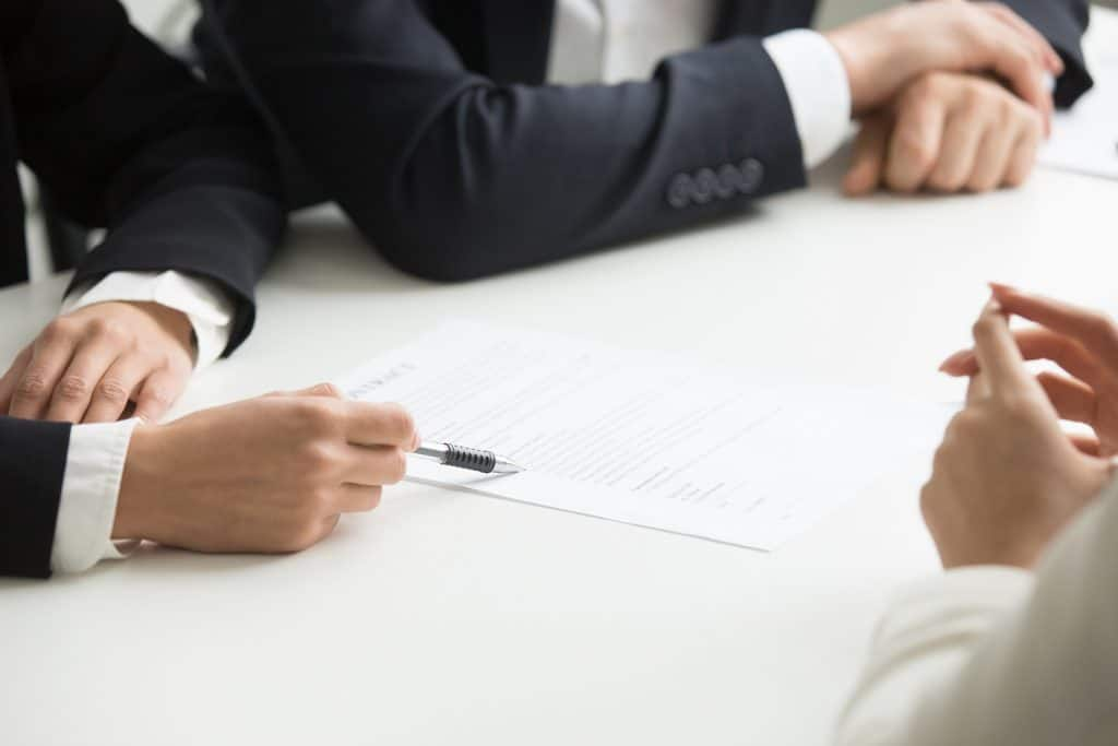 Cumplimiento contractual y garantías